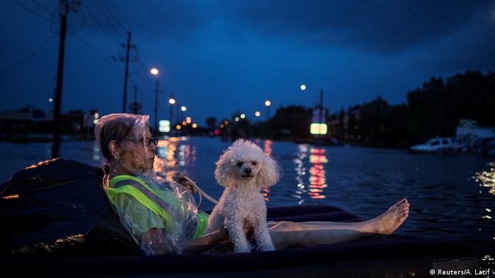 9. Bildergalerie USA Unwetter Harvey (Reuters/A. Latif )
