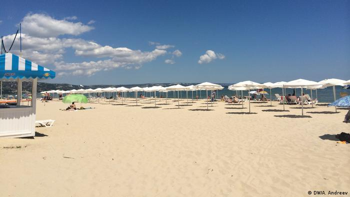 Russian tourists flock to Bulgaria's Black Sea coast