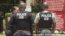 USA Agenten der US Einwanderungs- und Zollbehörde ICE