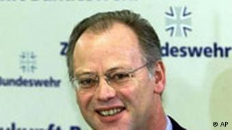 Der deutsche Verteidigungsminister Rudolf Sharping