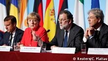 From L-R: French President Emmanuel Macron, German Chancellor Angela Merkel, Spain's Prime Minister Mariano Rajoy and Italian Prime Minister Paolo Gentiloni attend a news conference following talks on European Union integration, defence and migration at the Elysee Palace in Paris, France August 28, 2017. REUTERS/Charles Platiau