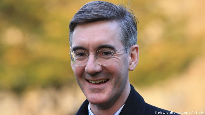 Großbritannien Tory Jacob Rees-Mogg in London (picture-alliance/empics/J. Brady)