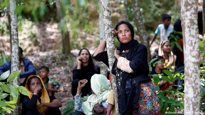 Bildergalerie Myanmar Rohingya Flüchtlinge flüchten nach Bangladesch (Reuters/M. Ponir Hossain)
