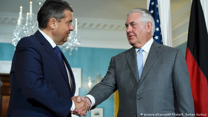 USA Gabriel bei Tillerson in Washington (picture-alliance/AP-Photo/S. Serkan Gurbuz)
