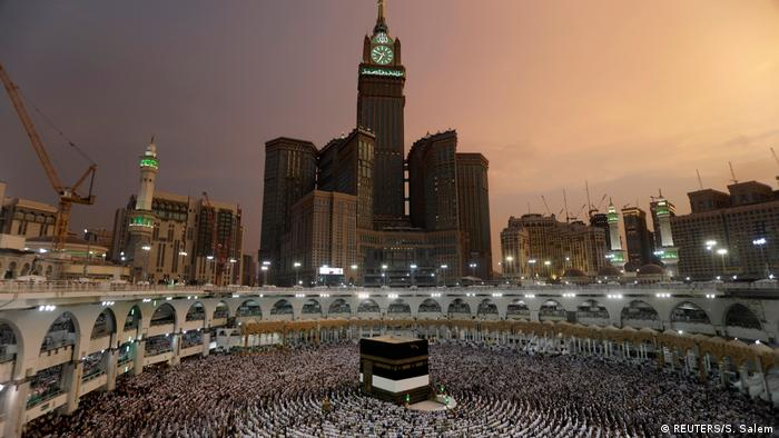 Saudi Arabien | Muslimische Gläubige beten in der Pilgerstätte Mekka (REUTERS/S. Salem)