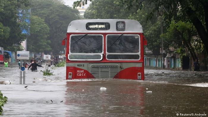 Mumbai Monsun Regen Überflutung (Reuters/S.Andrade)