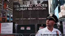 USA   Anti-Trump Protester gegen das Transgenderverbot im Militär