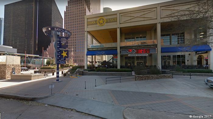 Screenshot Google Streetview Houston Texas Bayou Place (Google 2017)