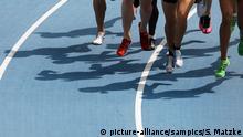 Schattenspiel auf der Laufbahn IAAF Leichtathletik WM Weltmeisterschaft in Daegu Südkores 2011 IAAF world Championship athletics in Daegu South Korea 2011 Copyright by : sampics Photographie  