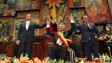 Rafael Correa und Lenín Moreno während der Amtseinführung von Moreno im Parlament, Quito, Ecuador. Rechte: DW/dpa/D. Tapia