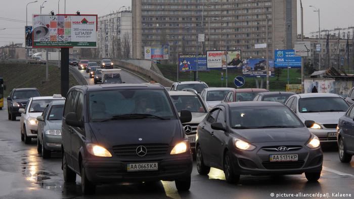 Українські водії часто ігнорують дорожні знаки про обмеження швидкості руху