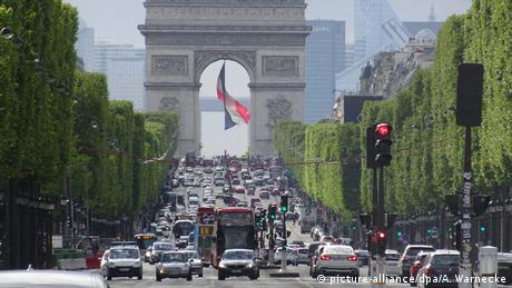 Τι συμβαίνει με τον γαλλικό προϋπολογισμό