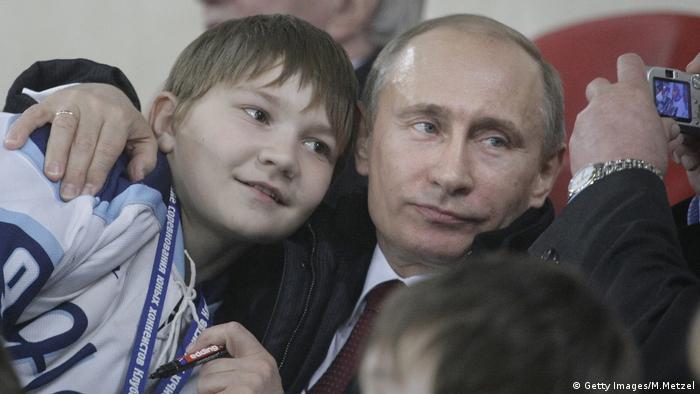 Vladimir Putin mit Kindern (Getty Images/M.Metzel)