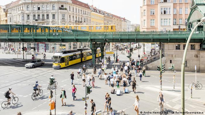 Людне перехрестя в Берліні (символічне фото)