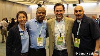 David Andrade (prvi s desna) na sajmu