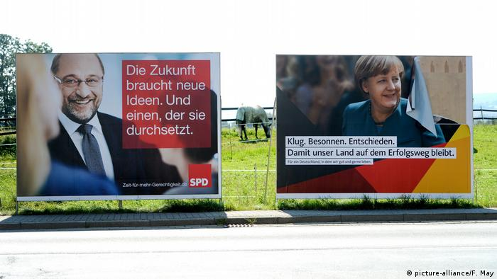 Deutschland Wahlplakate Schulz Merkel (picture-alliance/F. May)