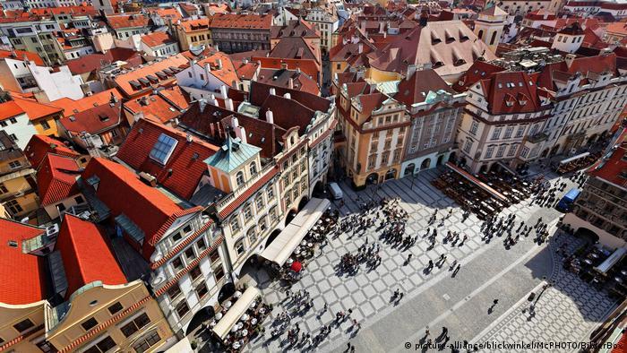 Tschechien Prag Altstaedter Ring, Aussicht vom Rathausturm (picture-alliance/blickwinkel/McPHOTO/BilderBox)