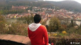 El programa Working Holiday permite trabajar y hacer vacaciones durante un año en Alemania. En la foto, Camilo Lira.