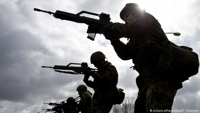 Soldados da Bundeswehr durante treinamento