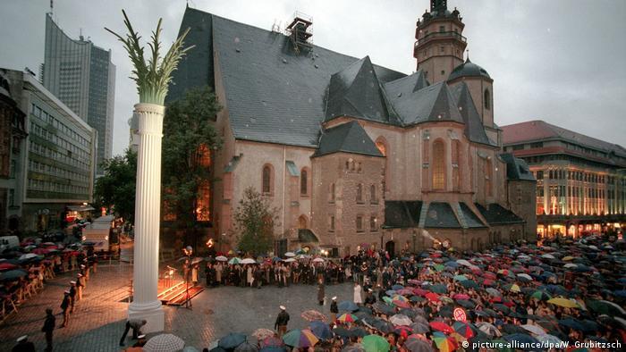 Deutschland - Nikolaikirche Gedenksäule