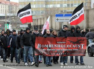Neo-Nazis marching in DResden