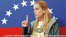 09.07.2017 *** Die Ehefrau des venezolanischen Oppositionsführers Lopez, Lilian Tintori, spricht am 09.07.2017 in Caracas (Venezuela). Ihr Mann war wegen Anstachelung zur Gewalt zu fast 14 Jahren Haft verurteilt worden. (zu dpa «Maduro lenkt ein: Oppositionsführer López darf nach Hause» vom 09.07.2017) Foto: Jorge Serratos/El Universal via ZUMA Wire/dpa +++(c) dpa - Bildfunk+++ |