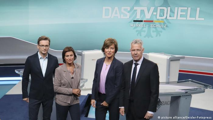 Fototermin 'Das TV-Duell: Merkel - Schulz' in Berlin Claus Strunz Sandra Maischberger Maybrit Illner Peter Kloeppel (picture alliance/Geisler-Fotopress)