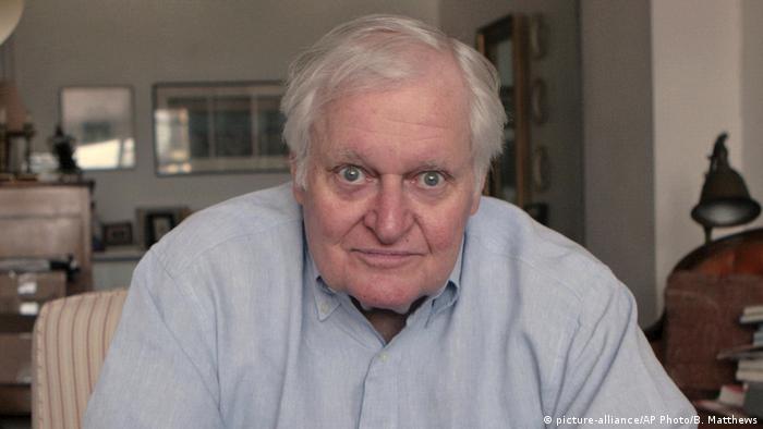 Pulitzer Prize-winning poet John Ashbery dies