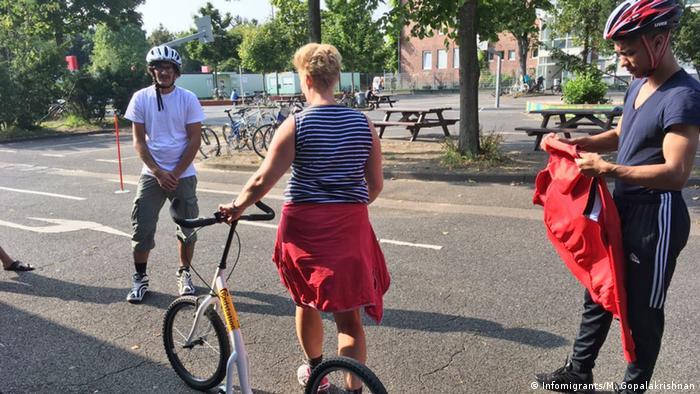 Köln Fahrrad Kurs für Migranten (Infomigrants/M. Gopalakrishnan)