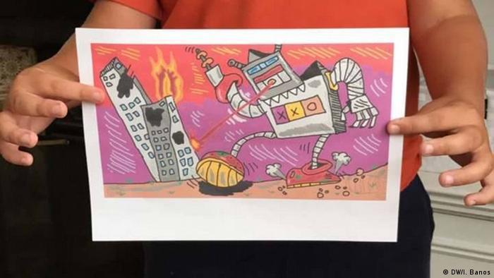 Desenho de criança mostra robô cuspindo fogo contra prédios em chamas