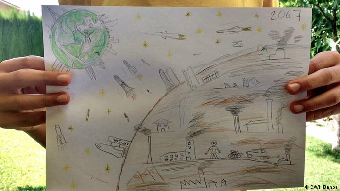 Desenho de uma criança mostra o planeta Marte urbanizado por seres humanos e a terra, verde, ao fundo