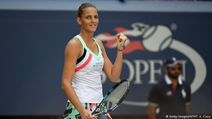 Karolina Pliskova beat Jennifer Brady in two sets