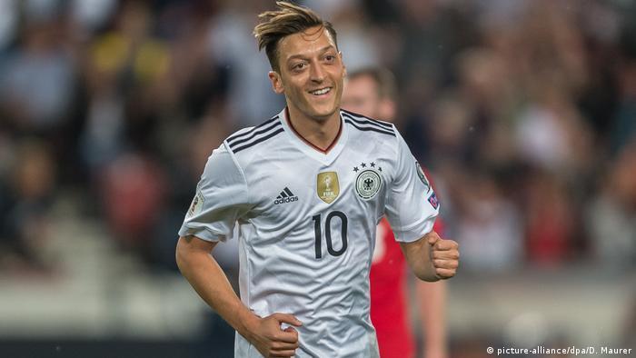 Mesut Özil (picture-alliance/dpa/D. Maurer)