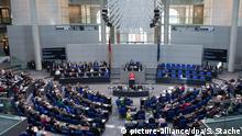 Berlin Bundestagssitzung Rede Kanzlerin Merkel