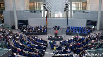 Θα παραταθεί η κοινοβουλετική περίοδος από τα τέσσερα στα πέντε χρόνια;