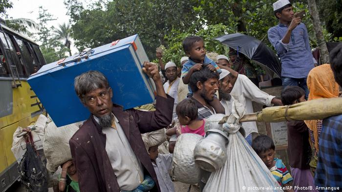 Bangladesch Flucht der Rohingya aus Myanmar (picture-alliance/AP Photo/B. Armangue)