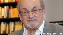 . 06/06/2017. London, United Kingdom. Salman Rushdie Book signing. Salman Rushdie a British Indian novelist signs copies of Home, the latest title in Vintage Minis series at Waterstones, London. PUBLICATIONxINxGERxSUIxAUTxHUNxONLY xDinendraxHariax/xi-Imagesx IIM-15292-0009 06 06 2017 London United Kingdom Salman Rushdie Book Signing Salman Rushdie a British Indian novelist Signs copies of Home The Latest Title in Vintage Minis Series AT Water Stones London PUBLICATIONxINxGERxSUIxAUTxHUNxONLY xDinendraxHariax Xi Imagesx iim 15292 0009