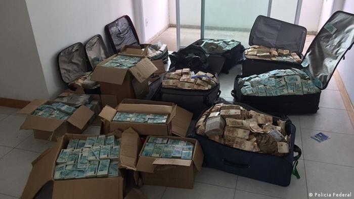 Brasilien | Taschen voller Geld in der Wohnung des ehemaligen Ministers Geddel Vieira Lima