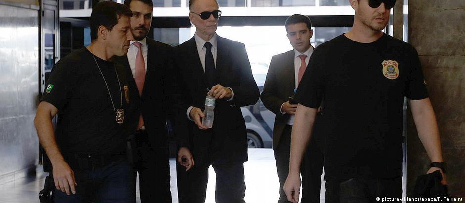 Nuzman, quando foi levado pela PF para depor em setembro