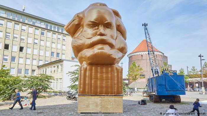 BdT - Ausstellung Das Kapital in Hamburg (picture-alliance/dpa/G. Wendt)