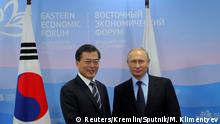 Russland Südkorea Putin mit Moon Jae-in brim Eastern Economic Forum in Wladiwostok