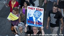 DACA supporters protest the Trump administration'Äôs termination of the Deferred Action for Childhood Arrivals program. Los Angeles, California on September 5, 2017. The DACA program protected 800,000 young undocumented immigrants from deportation.(Photo by: Ronen Tivony) (Photo by Ronen Tivony/NurPhoto) | Keine Weitergabe an Wiederverkäufer.