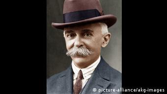 Foto do barão de Coubertin, de chapéu