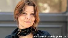 ©Riccardo De Luca/MAXPPP - ROME 04/06/2007. Turkish writer Elif Shafak poses for photographers before of a press conference in Rome, 4 june 2007, on the eve of his performance at the International Literature Festival.  