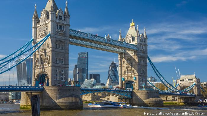 UK, England, London, Tower Bridge über Fluss Themes (picture-alliance/robertharding/A. Copson)