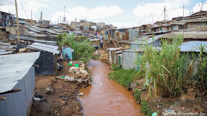 Mathare slum, Nairobi, Kenya (picture-alliance/dpa/M. May)