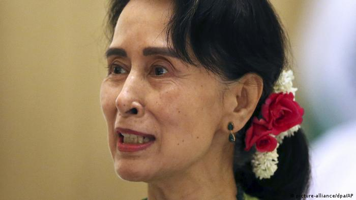موزه هولوکاست آمریکا به خاطر انفعال آنگ سان سوچی در قبال خشونت علیه اقلیت مسلمان روهینگیا، جایزه اهدایی خود به او را پس گرفت