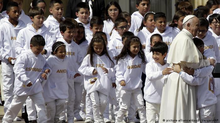 Papstbesuch in Kolumbien (picture-alliance/dpa/F. Vergara/AP)