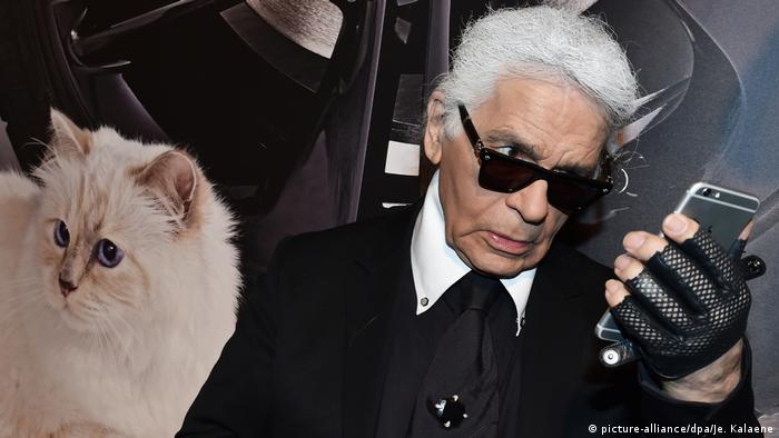 Modedesigner Karl Lagerfeld (picture-alliance/dpa/Je. Kalaene)