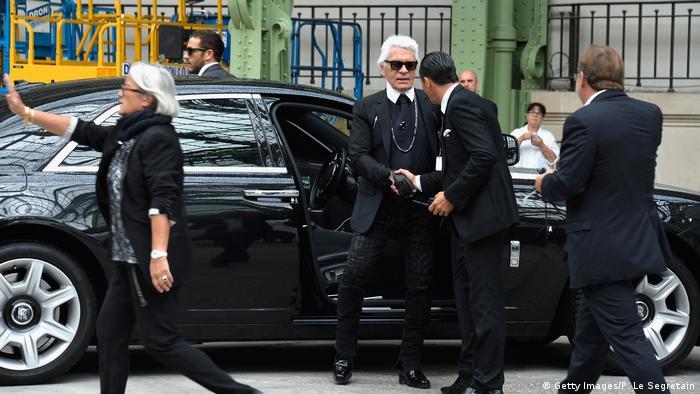 Designer Karl Lagerfeld at Paris Fashion Week in 2014 (Foto: Getty Images/P. Le Segretain)